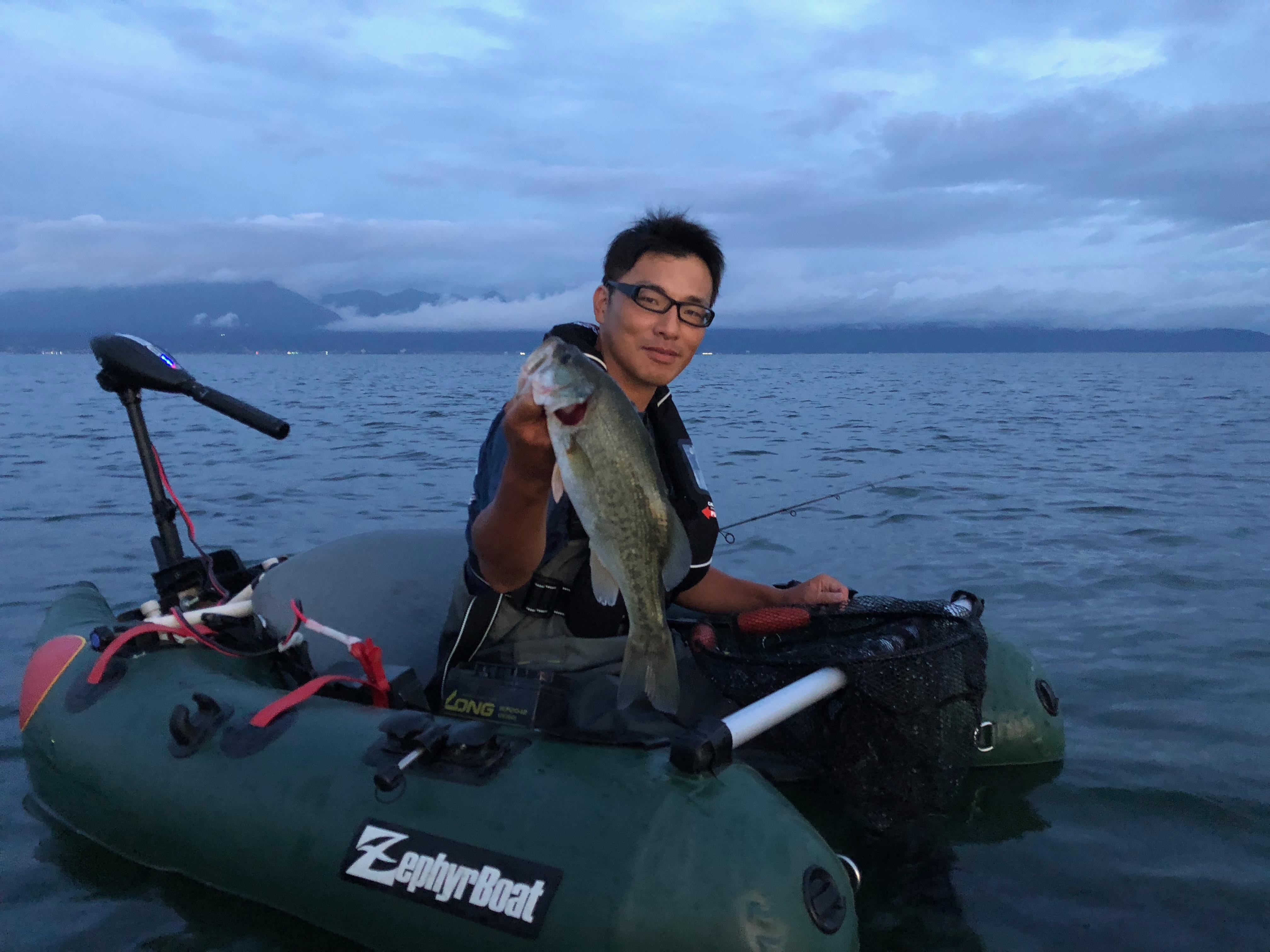 琵琶湖でアノスト漁礁で釣ったバス画像