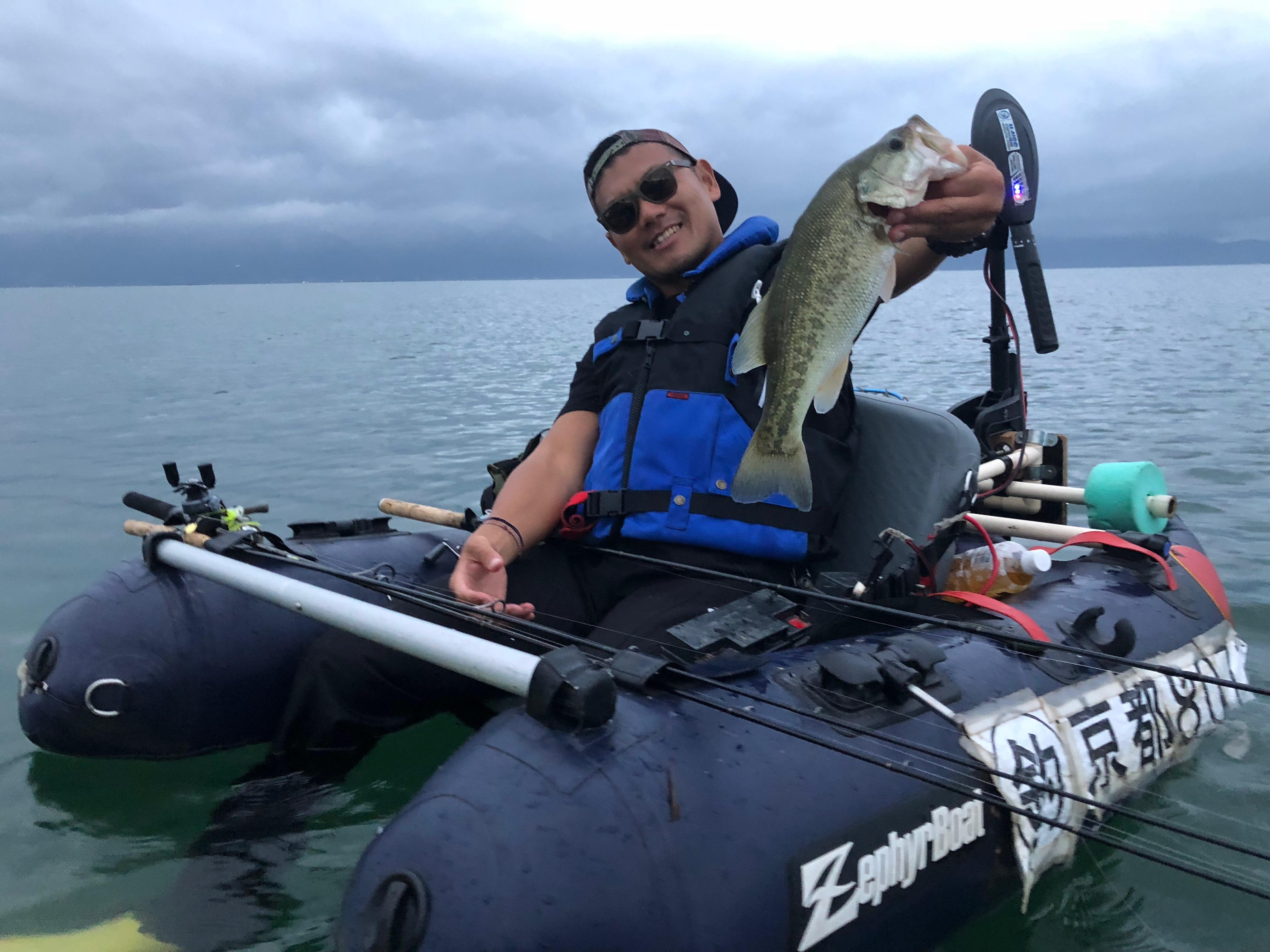 琵琶湖アノストで釣った漁礁バス画像