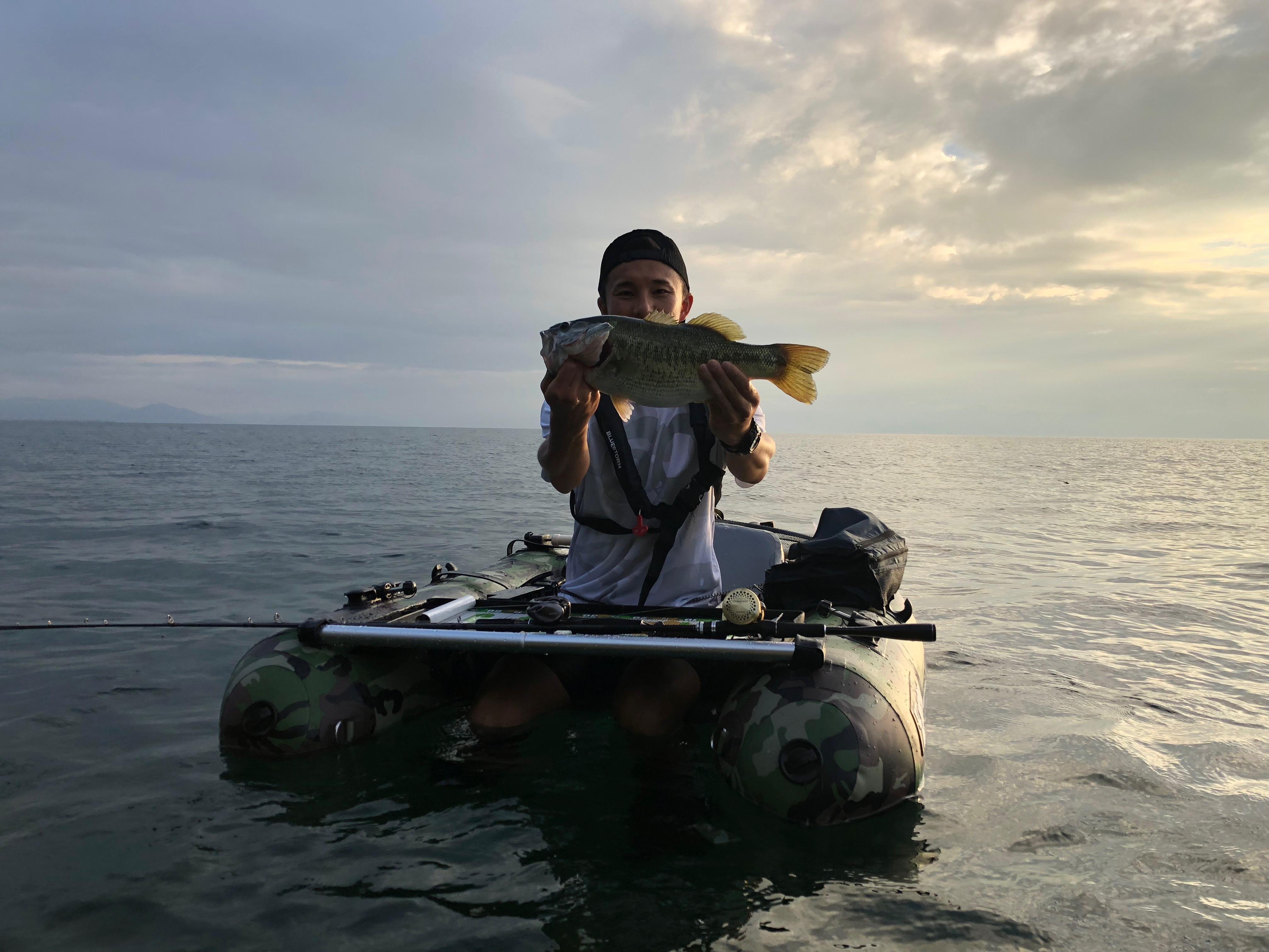 琵琶湖でアノストネコでゲストに釣れた45UP