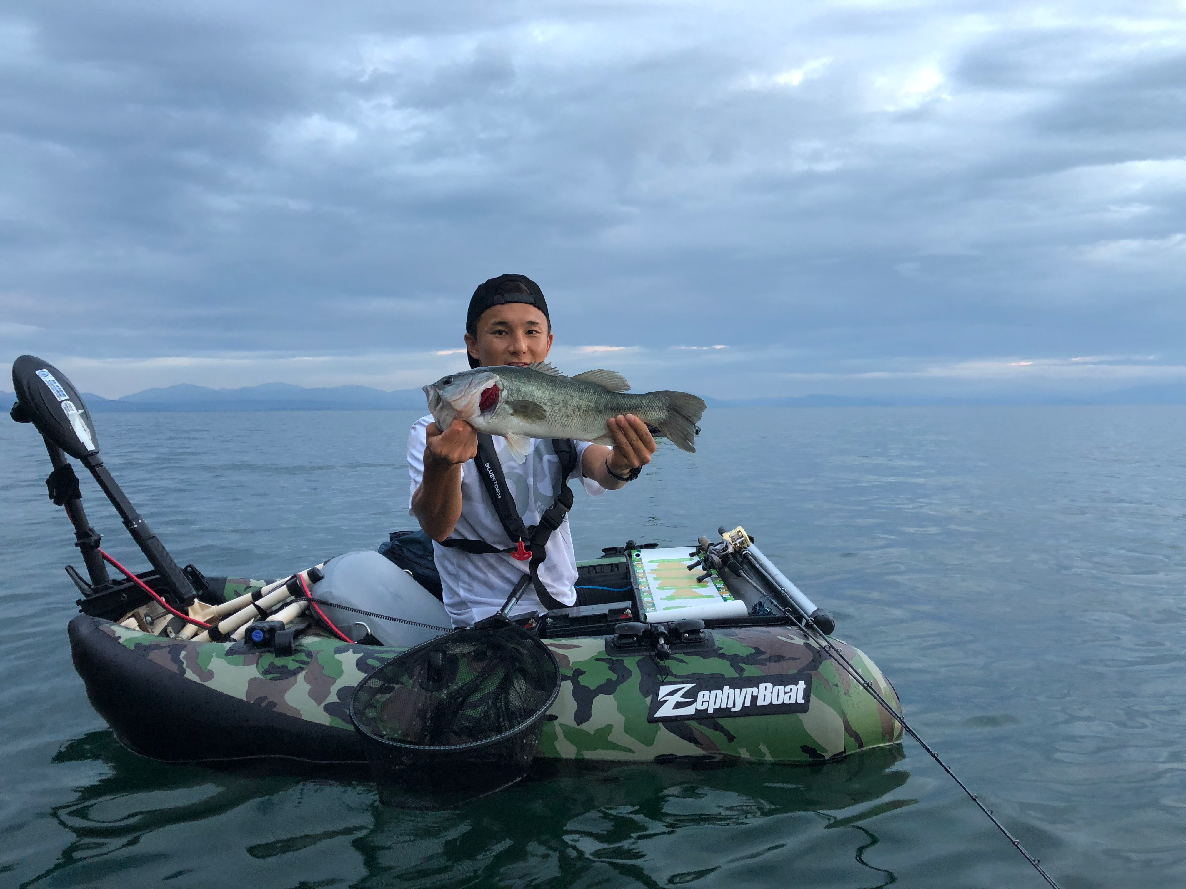 琵琶湖北湖、アノストネコでゲストさんに釣れた50UP