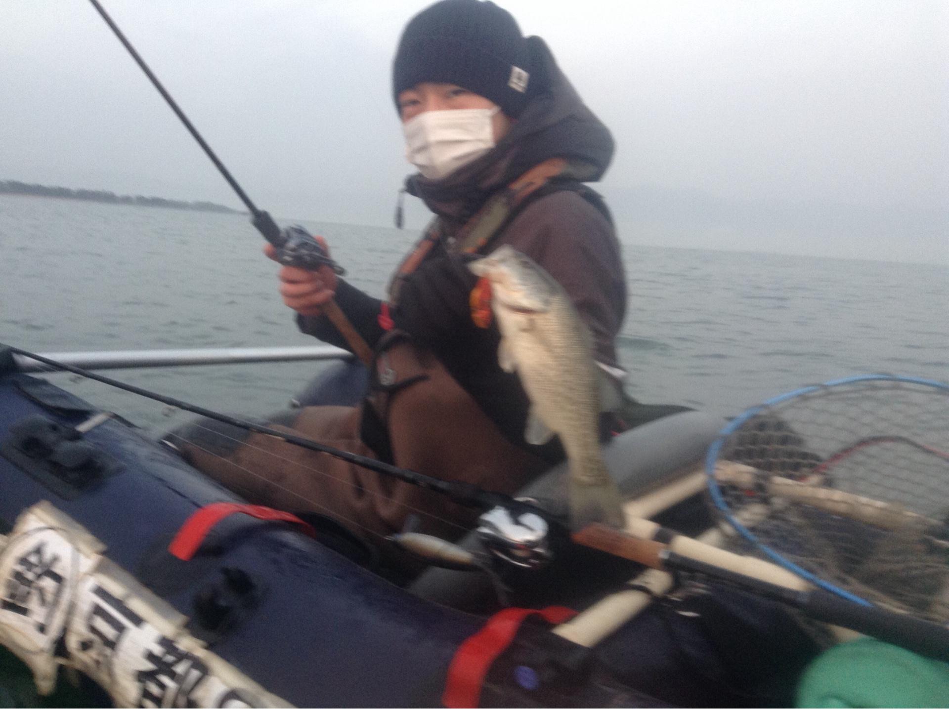 冬の琵琶湖北湖東岸で釣れたバス