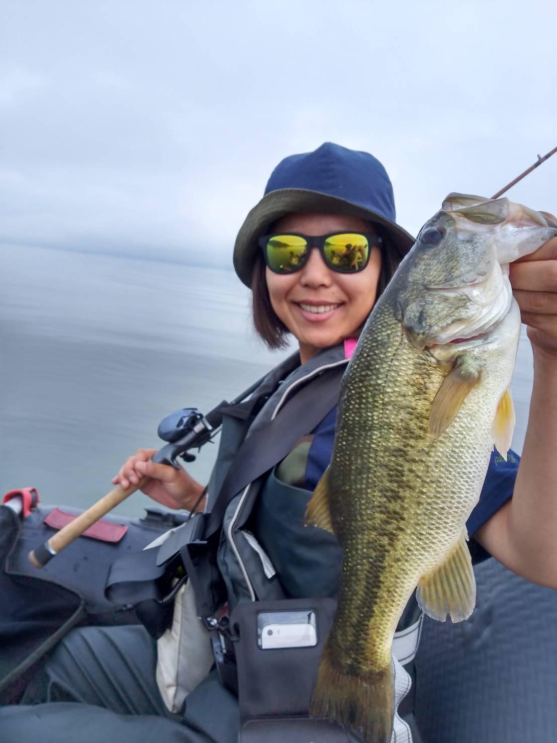 女性アングラーが初琵琶湖で釣った40UPのブラックバス