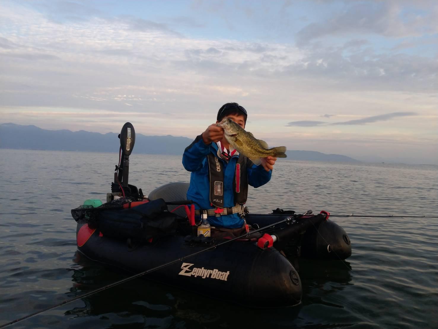 北湖の秋に釣れたデカバス